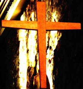 Post 36 Easter Cropped Cross in St Johns DSCN0428